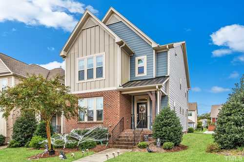 $459,900 - 4Br/4Ba -  for Sale in Traditions, Wake Forest
