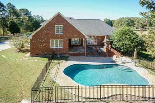 $650,000 - 4Br/3Ba -  for Sale in Not In A Subdivision, Zebulon