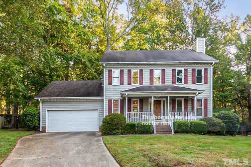 $440,000 - 3Br/3Ba -  for Sale in Carrousel Park, Cary