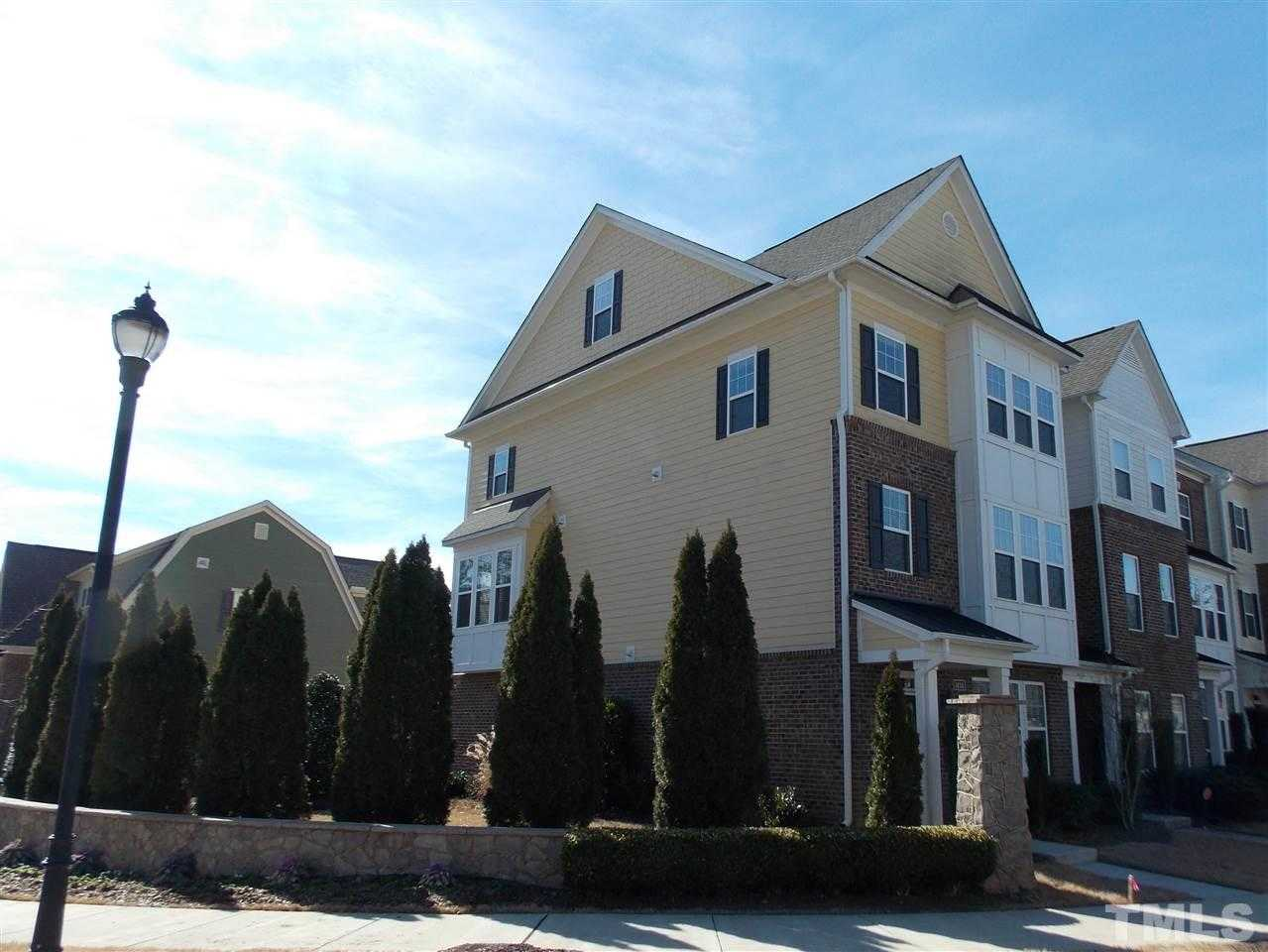 $2,450 - 4Br/4Ba -  for Sale in Inside Wade Townhomes, Raleigh
