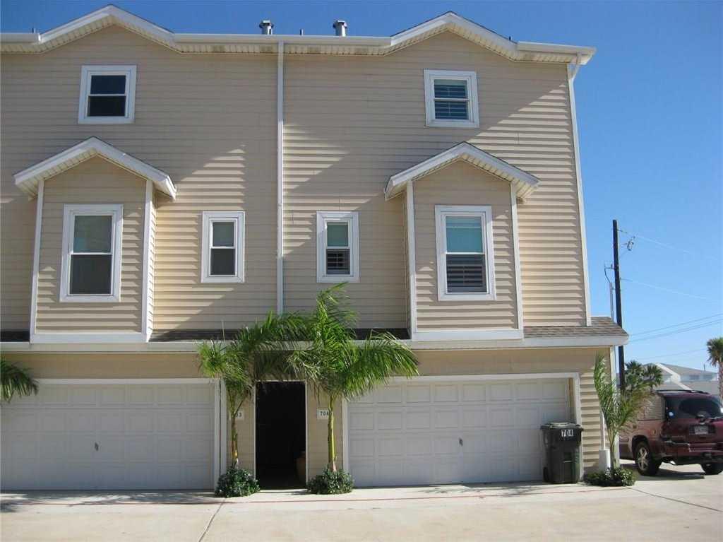 $2,600 - 3Br/4Ba -  for Sale in The Breezeways Twnhms, Corpus Christi